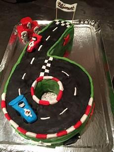 gateau circuit voiture g 226 teau circuit de voiture anniversaire gar 231 on 6 ans decoration anniversaire garcon et