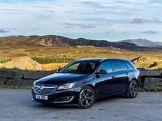 vauxhall insignia sports tourer 2014 picture 2 of 17