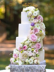 Picture Of Wedding Cakes With Flowers 24 gorgeous wedding cakes ideas with fresh flowers