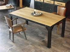 table salle a manger style industriel table haute de style industriel micheli design deco