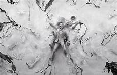 2 White Wallpaper