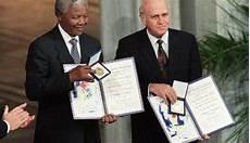 Nelson Mandela Aurait Il Pu Refuser Le Prix Nobel De La