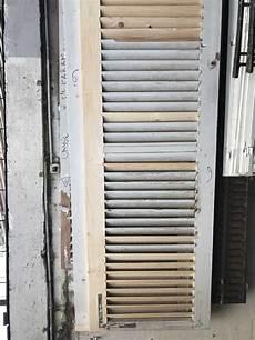 renovation volet bois techniques de r 233 novation de volets persiennes et