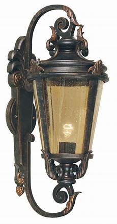 baltimore large bronze traditional outdoor wall light bt1 l