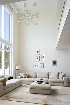 wohnzimmer decken themen rund um deko ideen f 252 r wohnr 228 ume mit hohen decken