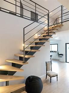 escalier moderne quart tournant escalier lumineux design et moderne
