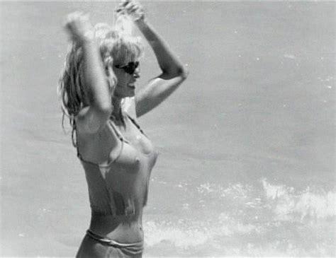 Farrah Nude