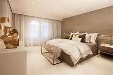 Schlafzimmer Braun Beige Modern - gray accent wall adds texture to calm modern bedroom hgtv