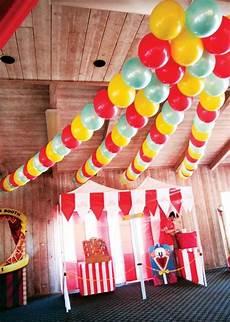 ideen für geburtstagsfeier bunte ballonkette geburtstagsfeier ideen zirkusflair und