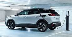 peugeot 2008 hybride rechargeable peugeot 508 508 sw hybrid and 3008 gt hybrid4 debuts 1