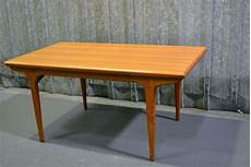 table style scandinave past present une table au style scandinave