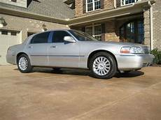 how to sell used cars 2005 lincoln town car head up display sell used 2005 signature series lincoln town car luxury limousine sedan in greensboro north