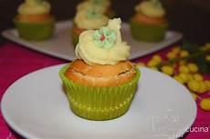 crema con due tuorli cupcakes con crema pasticcera due tortore in cucina