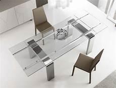 esstisch glas ausziehbar glasplatte moderner esstisch aus holz glas und metall 15 designs