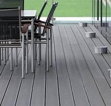 kunststoff bodenbelag wpc terrassendielen bodenbelag f 252 r terrasse und balkon