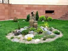 steingarten anlegen ideen steingarten gestalten akzent kies zwerg pflanzen garten