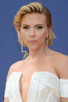 scarlett johansson scarlett johansson at emmy awards 2018 in los angeles 09