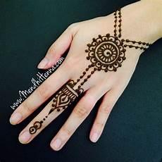 60 Paling Keren Gambar Motif Henna Telapak Tangan