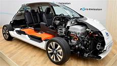 nissan leaf batterie nissan puts price on leaf battery replacement