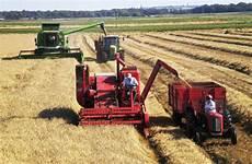 vintage und modern kombinieren combines bring in the harvest farmers weekly