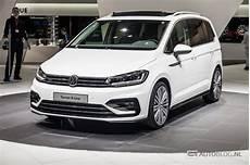 Beurzen Geneve 2015 Volkswagen Touran R Line Afbeeldingen