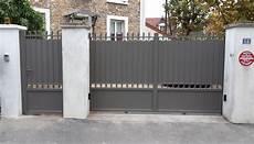 Portail Coulissant En Aluminium Style Traditionnel Avec