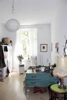 Zimmer Einrichten Ideen Vintage - helles wg zimmer mit wundersch 246 ner vintage kommode in