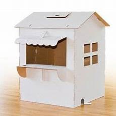 Ein Haus Aus Karton Zum Bemalen Und Spielen Karton