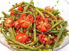 bohnen mit speck bohnen tomatensalat mit speck woodlousy chefkoch de