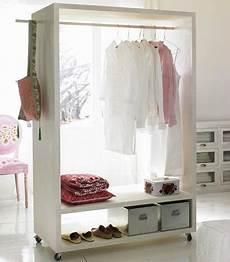 regalsysteme für ankleidezimmer schlafzimmer tipps f 252 r die einrichtung flexibler stauraum in 2019 things i 180 d like to