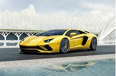 2017 Lamborghini Aventador S Revealed With 730 Hp Motor
