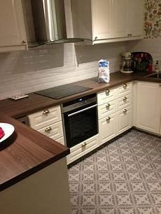 cuisine bobdyn d ikea blanc cass 233 avec carrelage mural