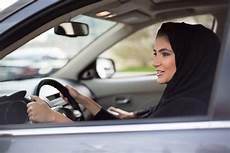 arabie saoudite femme conduire arabie saoudite les femmes obtiennent enfin le droit de