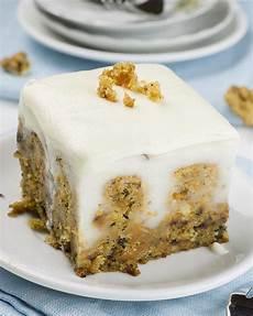 leichte kuchen rezepte carrot cake poke cake easy easter dessert recipe with