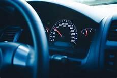 compteur de vitesse voiture s 233 curit 233 routi 232 re la relation entre vitesse et accidents confirm 233 e