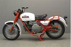 moto guzzi falcone moto guzzi 1971 falcone 500cc 1 cyl ohv 2708 yesterdays