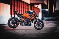 ktm 1290 superduke 2020 ktm 1290 duke r guide total motorcycle