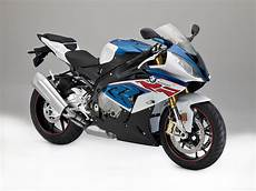 2017 Bmw S 1000 Rr Look 7 Fast Facts