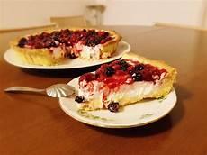 crema pasticcera con mascarpone ottima e deliziosa crostata con crema pasticcera panna con mascarpone e copertura di frutti di