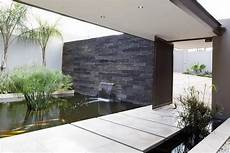 bassin koi interieur 35 sublime koi pond designs and water garden ideas for