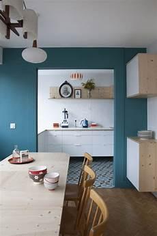 mur bleu paon cuisine la couleur de l 195 169 e bleu paon ou bleu canard