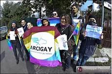 consolato russo a palermo mobilitazione contro la legge russa anti lgbt arcigay