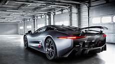 spectre le duel aston martin db10 versus jaguar c x75