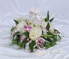 composizioni candele e fiori centro tavola con candela shabby chic creazioni floreali