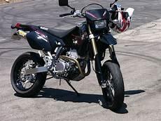 Suzuki Drz 400 Sm by 2010 Suzuki Dr Z 400 Sm Moto Zombdrive