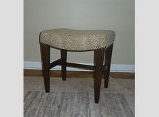 Furniture: Stylish Accent Upholstered Vanity Stool To