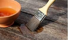 holz mit leinöl bearbeiten hart 246 l und lein 246 l f 252 r die holzbehandlung kreutz landhaus