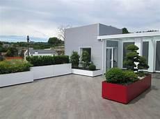 terrazze moderne terrazzo moderno verde bianco rosso foto 1 terrazza