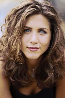 aniston s best hairstyles of all time 40 aniston hair cuts and colors