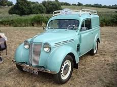 ancienne voiture renault balades en vendee voitures anciennes 1 la juvaquatre